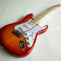 Gitar Listrik Fender Stratocaster Cerry neck mapple murah