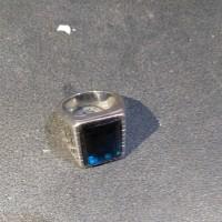 cincin pria blue shafere ring 7 emas putih kadar 24 karat