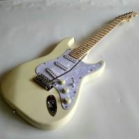 gitar Listrik elektrik Fender Stratocaster cream Color