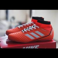sepatu futsal adidas predator/sepatu futsal dewasa//adidas/nike