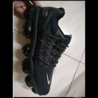Sepatu Sneakers Nike Air Vapormax Run Utility Triple Black