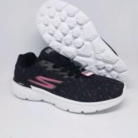 Sneakers Skechers Go Run Woman Black Murah