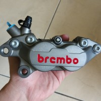 Kaliper Brembo 4piston 1pin Kiri Vespa Sprint 3V Iget Abs GTS PCX 4p
