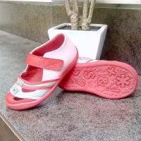 sepatu anak perempuan slip on kretekan KIPPER Tipe Reny ukuran 22-26