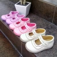 Sepatu anak perempuan Slip on Flat kretekan Merk KIPPER Tipe Magda