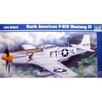 pesawat P-51D Mustang 1/24 model kit trumpeter