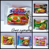 miniatur Snack /Gantungan kunci unik /miniatur makanan snack /indomie