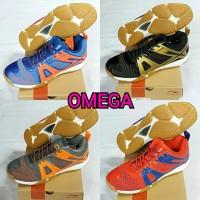 sepatu badminton lining Omega
