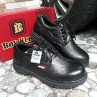Sepatu Safety Ujung Besi KR-02