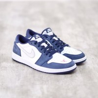 Nike Air Jordan 1 Low SB Midnight Navy 100% Authentic