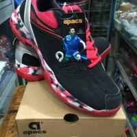 Sepatu badminton bukutangkis Apacs SP 608 F warna merah hitam