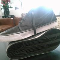 Sepatu Sneakers Nike Ori Abu-abu Second