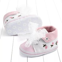 Sepatu Bayi Perempuan Prewalker Bordir Bunga Putih