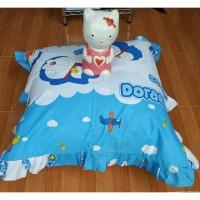 Bantal Lantai dan Sarung Bantal Motif Doraemon