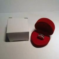 Tempat cincin kotak cincin bludru model hati