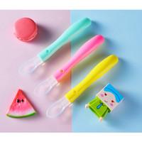 Sendok Makan Silicone Silikon Anak Bayi BPA Free Soft Spoon with Case