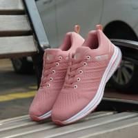 Sepatu adidas wanita terbaru