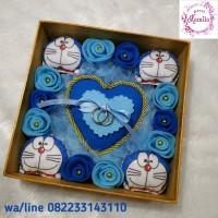 kotak box untuk perhiasan bantalan cincin bentuk love boneka doraemon