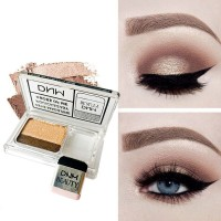 DNM two-tone eyeshadow