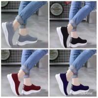 Sepatu Kets Wanita Slip On | Sepatu Olah Raga wanita Sneakers Classic