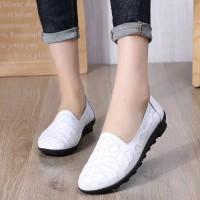 sepatu wanita flat shoes slipon, bahan kulit asli