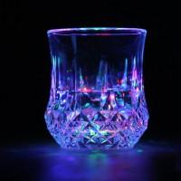 Gelas Wine dengan Lampu LED Menyala