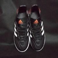 sepatu futsal adidas dari bahan kulit asli