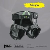 Harness Petzl Canyoning dengan sabuk empuk dan kursi pelindung