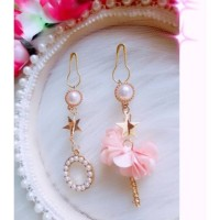 Anting hijab juntai pita pearl gold pink