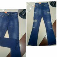 Celana Jeans Ripped Wanita Semi Cutbray Keren