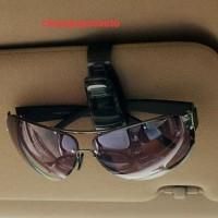 Tempat klip gantungan kacamata mobil warna hitam