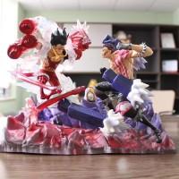 One Piece Monkey Luffy Gear Fourth Versus Charlotte Katakuri Statue