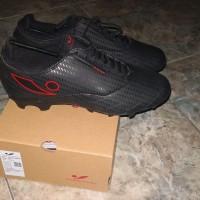 Sepatu Bola Concave Halo Accustrike Hologram