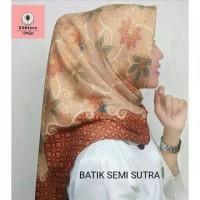 JILBAB SEGI EMPAT BATIK SEMI SUTRA / BATIK SUTRA / JILBAB PESTA