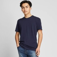 KAOS POLOS PRIA KEMASAN T-SHIRT CREW NECK UNIQLO MEN ORIGINAL ASLI