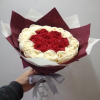 Buket mawar flanel/hadiah wisuda/ hadiah ultah, anniversary, valentine
