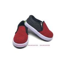 Sepatu anak laki perempuan branded slip on hitam merah SHUKU