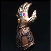 Sarung Tangan Thanos Infinity Gauntlet Marvel Legends Gauntlet