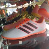 Sepatu Futsal Lokal