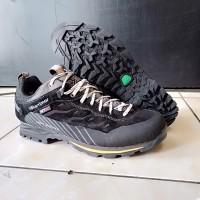 Sepatu gunung Karrimor hot route low waterproof size 45