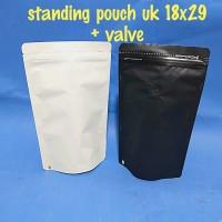 kemasan standing pouch ukuran 18x29 dengan VALVE