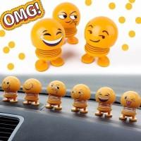 Pajangan Dashboard Mobil Kepala Boneka Smile Goyang wajah Emoji Shake