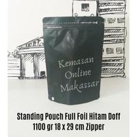 Standing Pouch Padat Zipper Hitam Doff 1100 gr (18 x 29 cm)