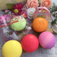 I-Bloom Mini Mousse Cupcake Squishy