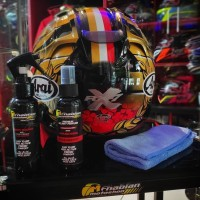 Helmet Care atau Paket Perawatan Helm Sealant dan Parfum
