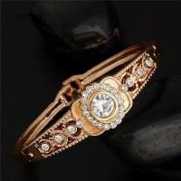 Gelang tangan lapis Emas aksen Berlian imitasi