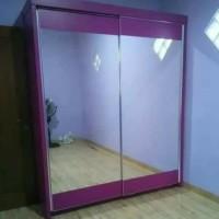 lemari pakaian pintu sliding