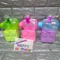 Paket souvenir ulang tahun kotak makan Lego dan botol minum