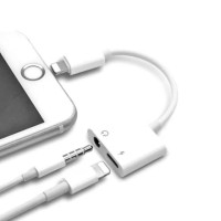 Dual Connector Iphone 7 8 X lightning dan Jack 3.5mm