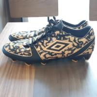 sepatu olahraga bola umbro made in china premium